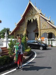 Ina vor dem Wat Phra Singh