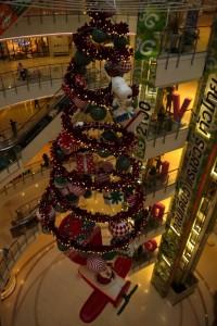 Weihnachtsdeko im Shoppingcenter