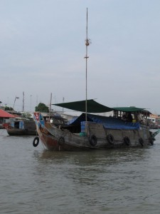 Floating Market in Cai Be 2