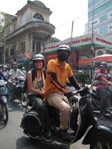 Ina aufm Motorrad