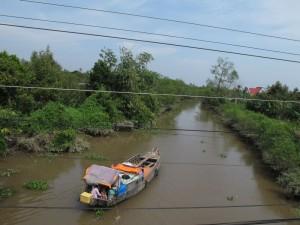 Kanäle durchziehen das Delta