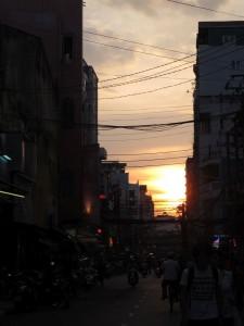 Sonnenuntergang über der Backpackerstraße