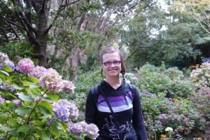 Mili im botanischen Garten