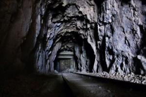 Gleise in den Minen